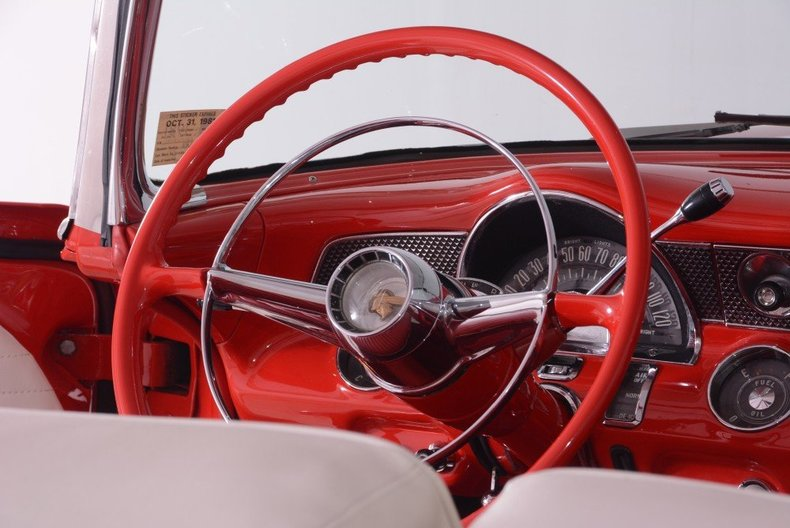 1955 Pontiac Bonneville Image 15