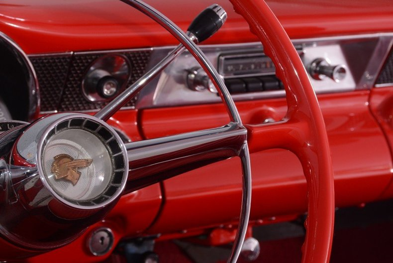 1955 Pontiac Bonneville Image 11