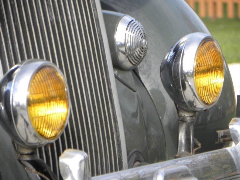 1936 Chrysler  Image 6