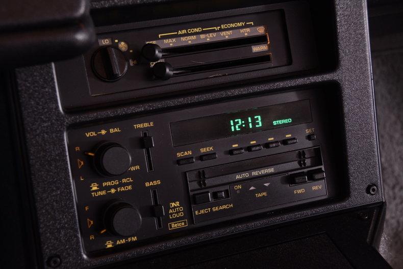 1991 Chevrolet Camaro Image 6