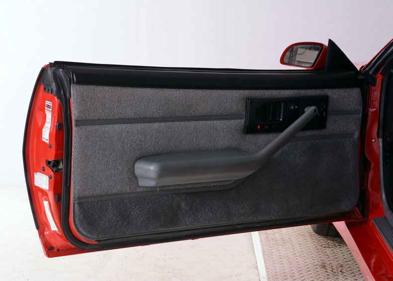 1991 Chevrolet Camaro Image 20