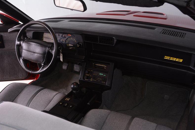 1991 Chevrolet Camaro Image 36