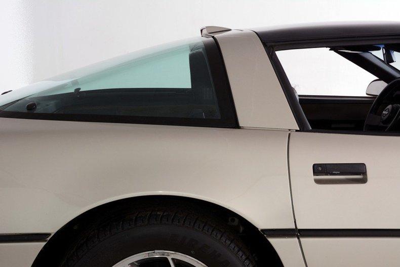 1987 Chevrolet Corvette Image 7