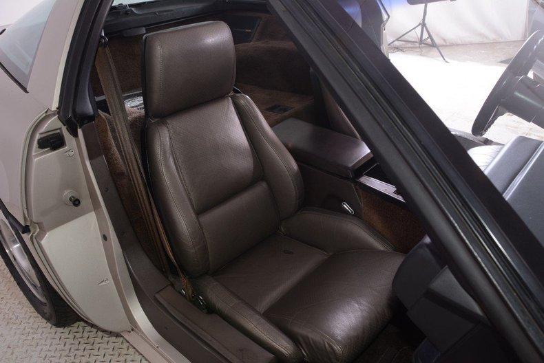 1987 Chevrolet Corvette Image 10