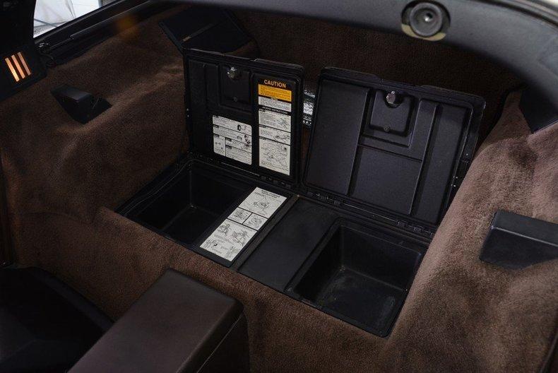 1987 Chevrolet Corvette Image 14