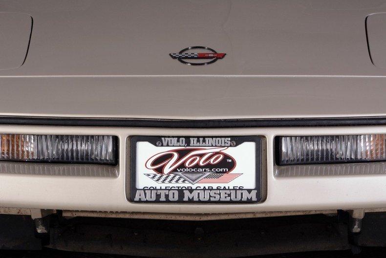 1987 Chevrolet Corvette Image 18