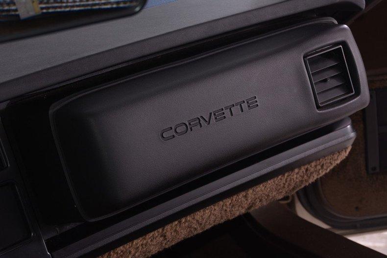 1987 Chevrolet Corvette Image 31