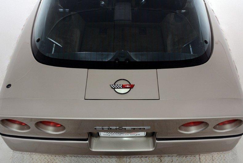 1987 Chevrolet Corvette Image 33