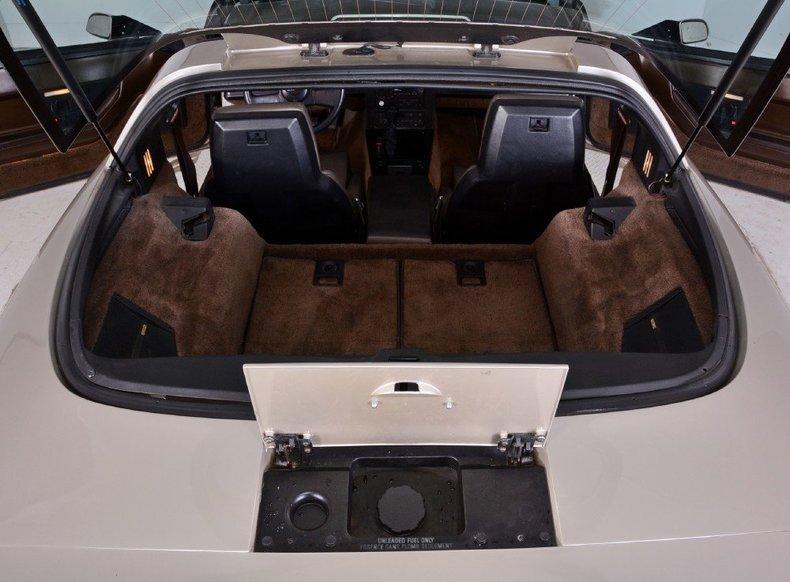1987 Chevrolet Corvette Image 34
