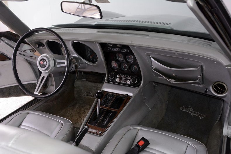 1975 Chevrolet Corvette Image 17