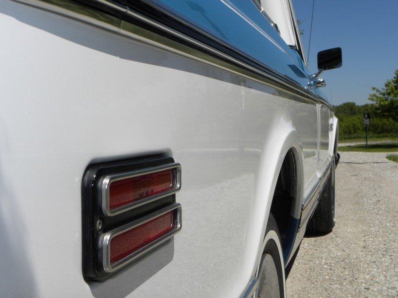 1972 GMC  Image 11