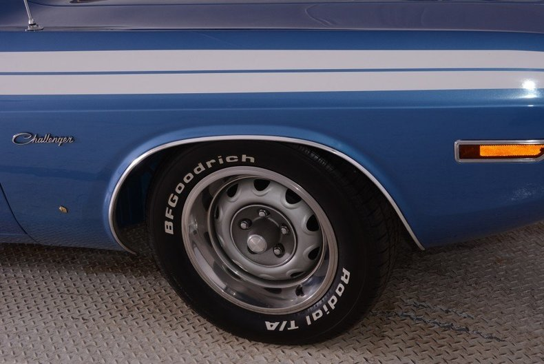 1971 Dodge Challenger Image 13