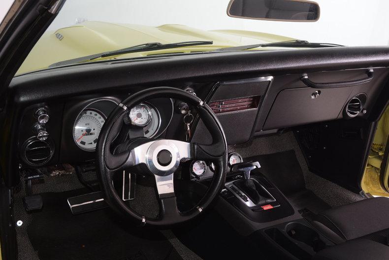 1968 Pontiac Firebird Image 2