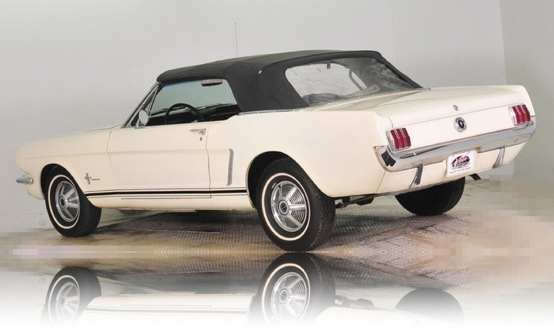 1965 Ford Mustang Image 28