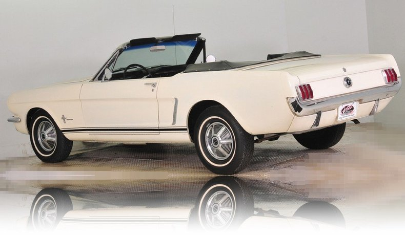 1965 Ford Mustang Image 45