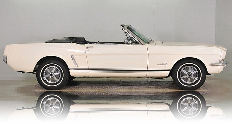 1965 Ford Mustang Image 38