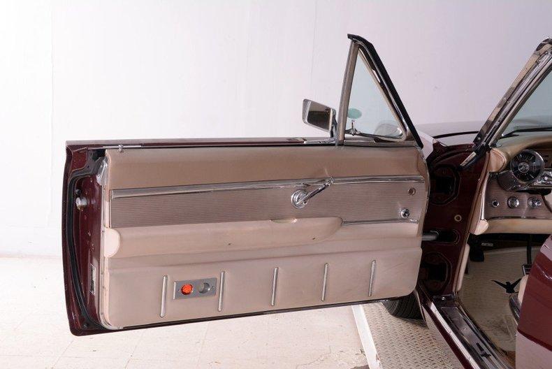 1963 Ford Thunderbird Image 58