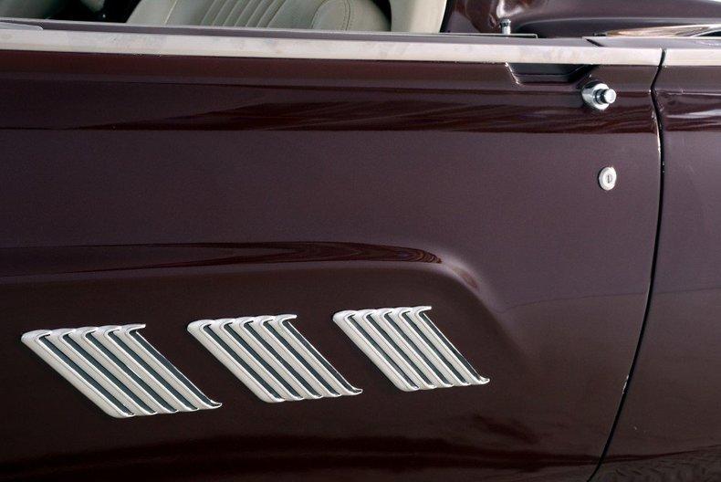1963 Ford Thunderbird Image 55