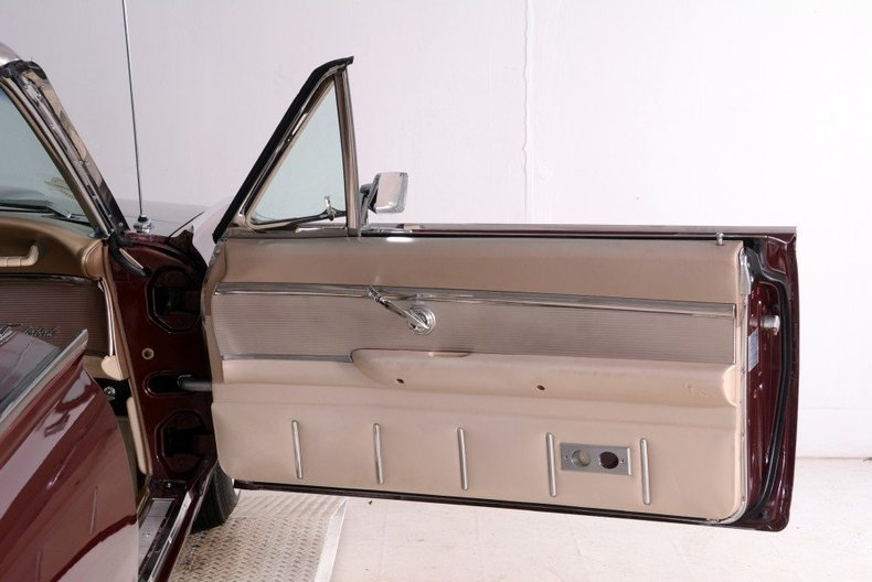1963 Ford Thunderbird Image 109