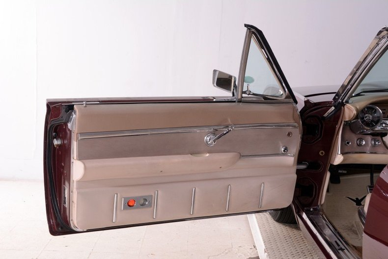 1963 Ford Thunderbird Image 96