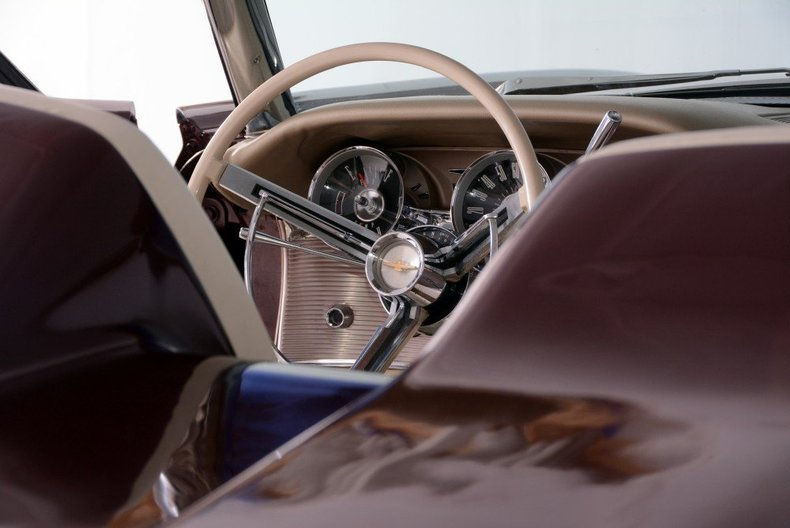 1963 Ford Thunderbird Image 90