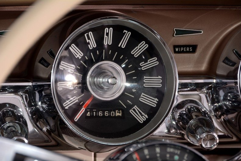 1963 Ford Thunderbird Image 70