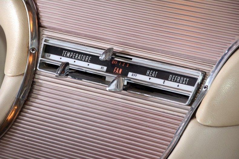 1963 Ford Thunderbird Image 67