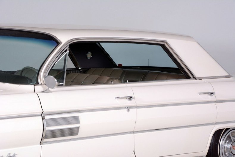 1962 Oldsmobile  Image 8