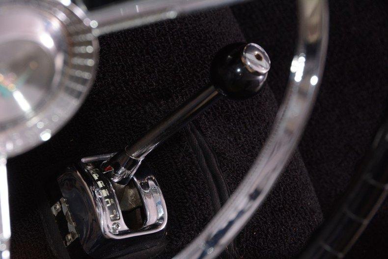 1957 Ford Thunderbird Image 23