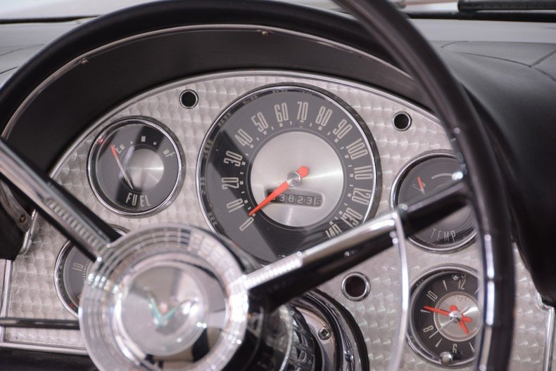 1957 Ford Thunderbird Image 32