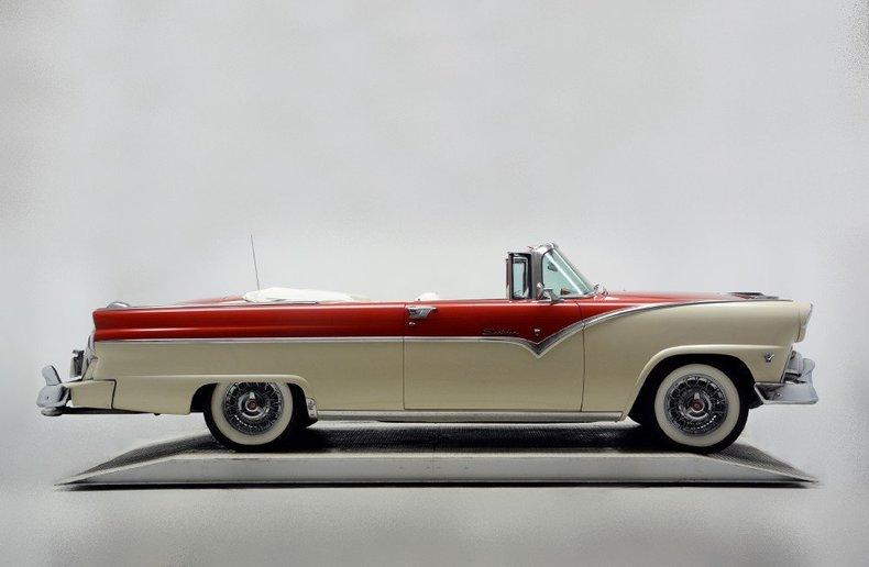 1955 Ford Sunliner Image 11