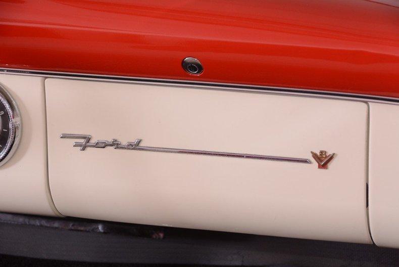 1955 Ford Sunliner Image 86