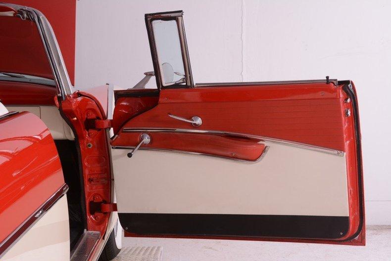 1955 Ford Sunliner Image 109
