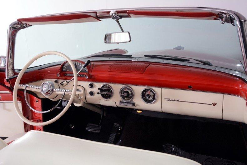 1955 Ford Sunliner Image 120