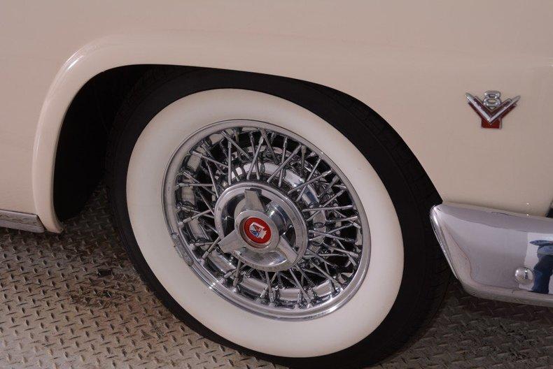 1955 Ford Sunliner Image 133