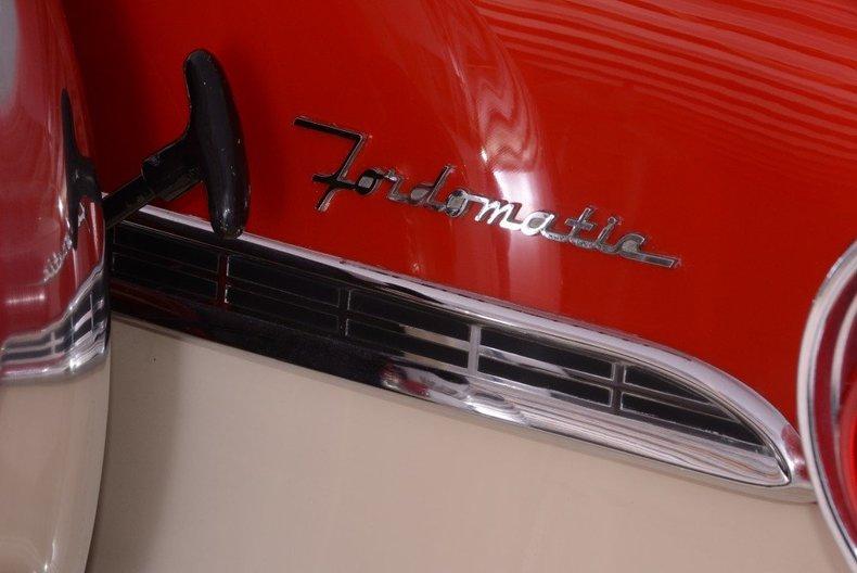1955 Ford Sunliner Image 54
