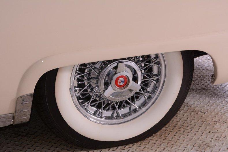 1955 Ford Sunliner Image 6