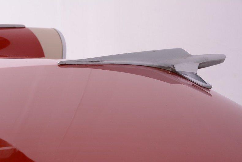 1955 Ford Sunliner Image 16