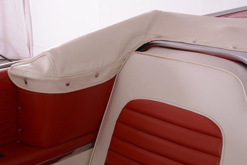 1955 Ford Sunliner Image 17
