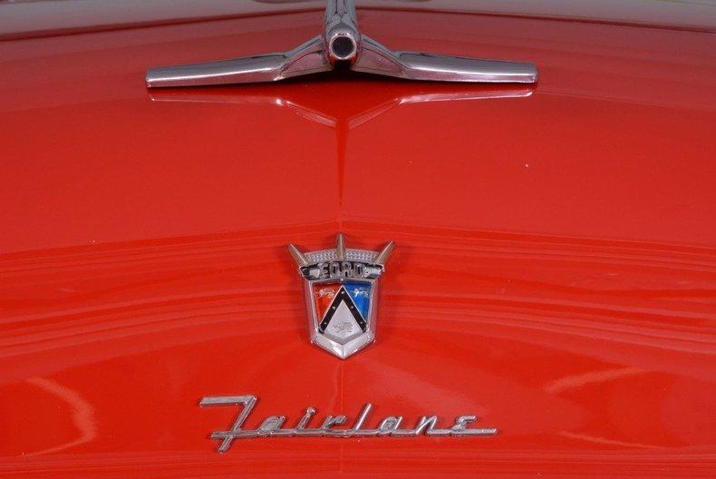 1955 Ford Sunliner Image 21