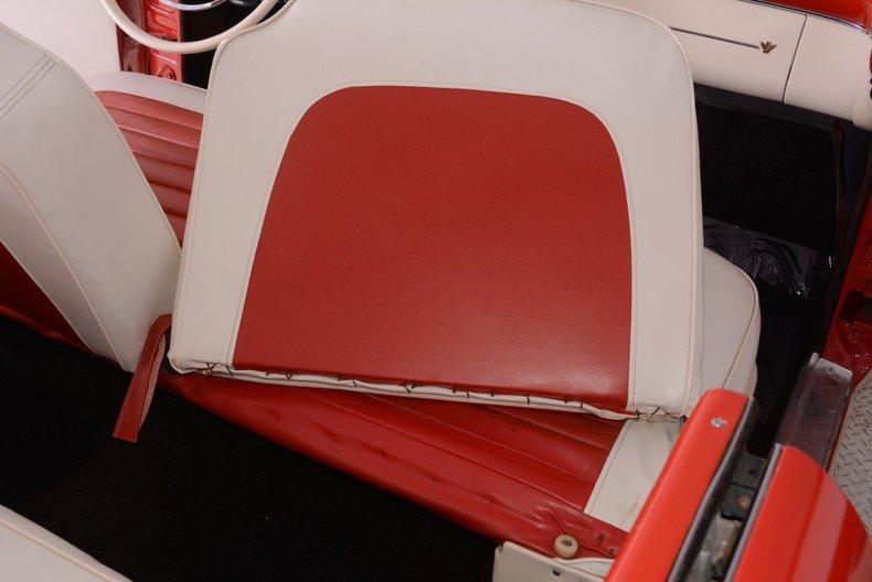 1955 Ford Sunliner Image 22