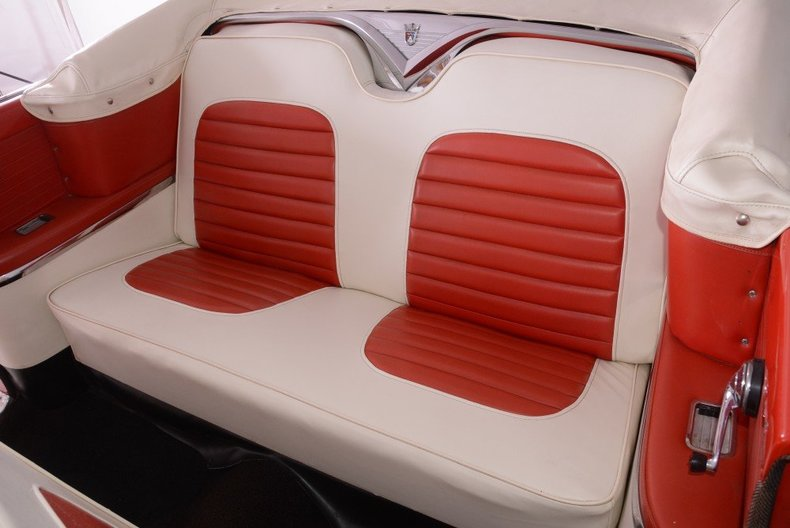1955 Ford Sunliner Image 3