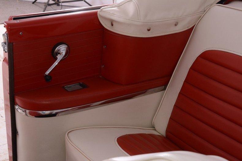 1955 Ford Sunliner Image 4