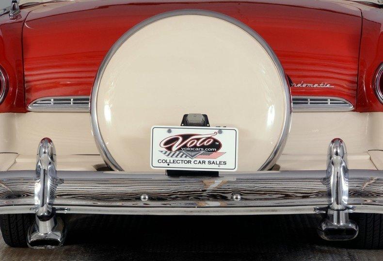 1955 Ford Sunliner Image 10