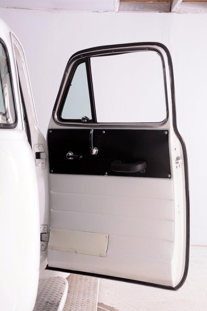 1952 Chevrolet 3100 Image 75