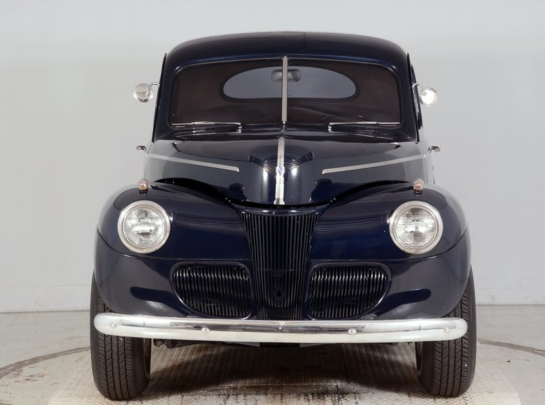 1941 Ford  Image 17