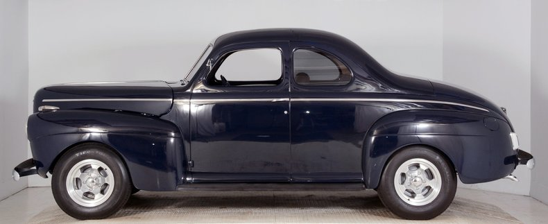 1941 Ford  Image 32
