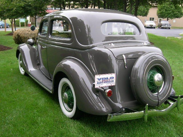 1935 Ford Coupe Image 4
