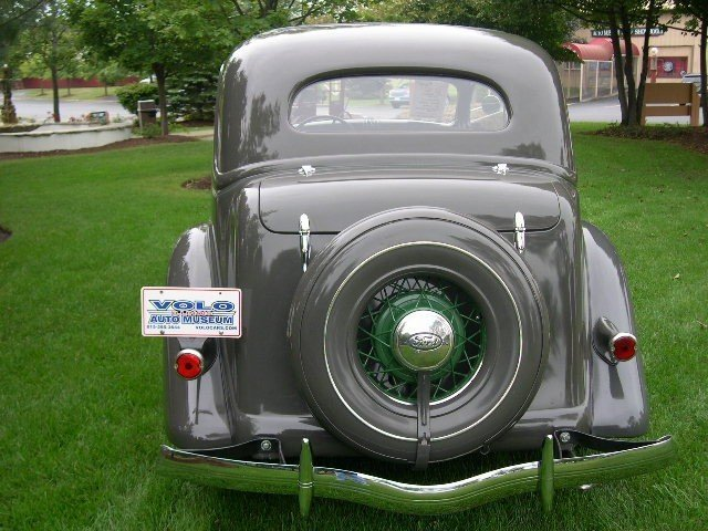 1935 Ford Coupe Image 5