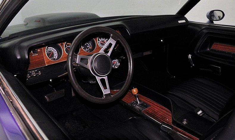 1970 Dodge Challenger Image 24